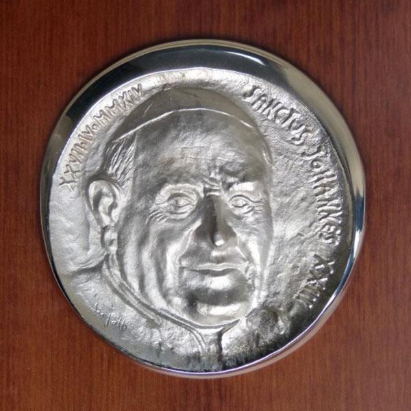Papa Giovanni XXIII - Bassorilievo frontale